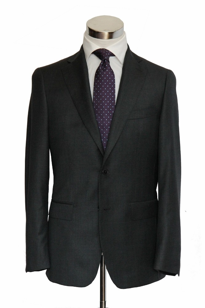 Benjamin Suit: Charcoal